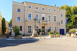 Hotel The Originals du Parc Cavaillon
