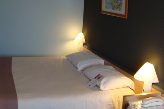 Hotel Ibis Lorient Centre Gare - photo 2